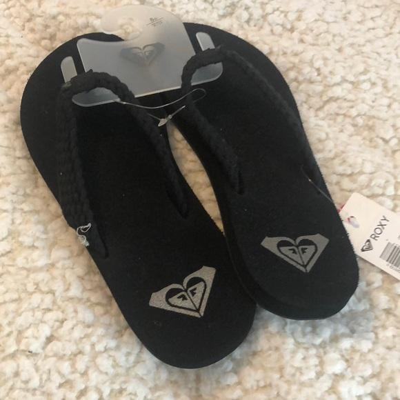 Brand New Roxy Sandals!!